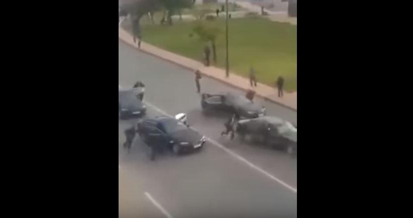 مواطن يرمي بنفسه فوق سيارة الملك محمد السادس!