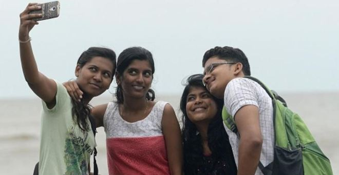مومباي تحظر صور السيلفي.. والسبب