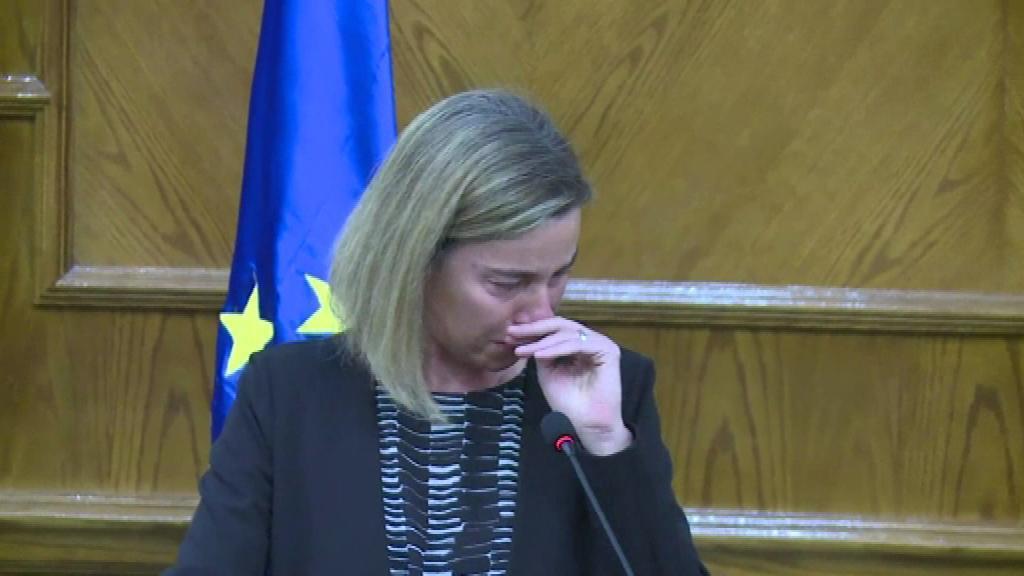 بالفيديو: دموع موغيريني أنهت مؤتمرها الصحفي