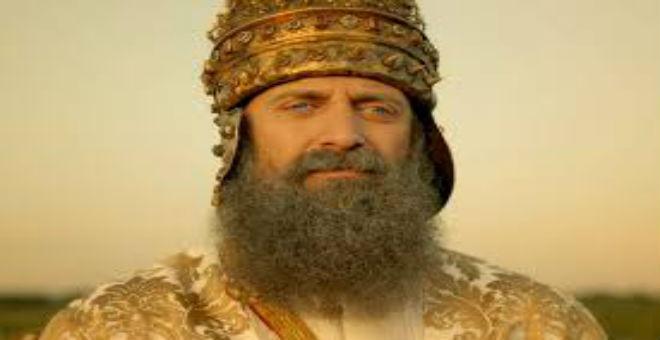 السلطان سليمان يبهر مواقع التواصل بغنائه بالعربية