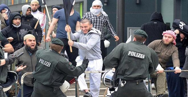باحث فرنسي يرفض ربط تطرف مسلمي أوروبا بفشل الإدماج