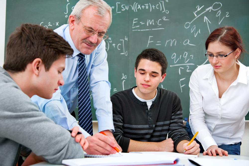 يهم الطلبة.. وزارة التعليم العالي تلغي مباريات ولوج المدارس العليا