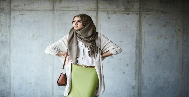 متى تعي فرنسا أن الحجاب يدخل بدوره في حرية التصرف في الجسد ؟