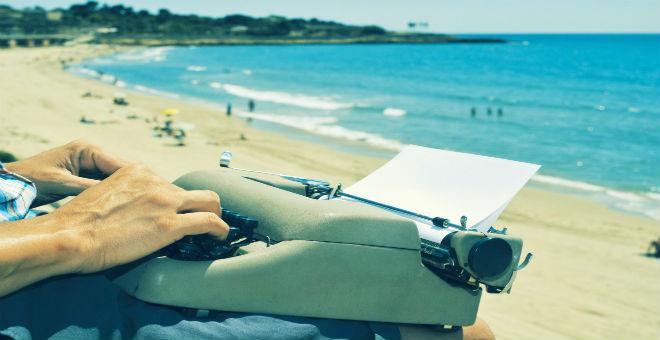 6 عادات غريبة تكشف طقوس الأدباء في الكتابة