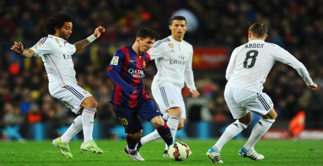 ميسي يقود برشلونة لسحق ريال مدريد