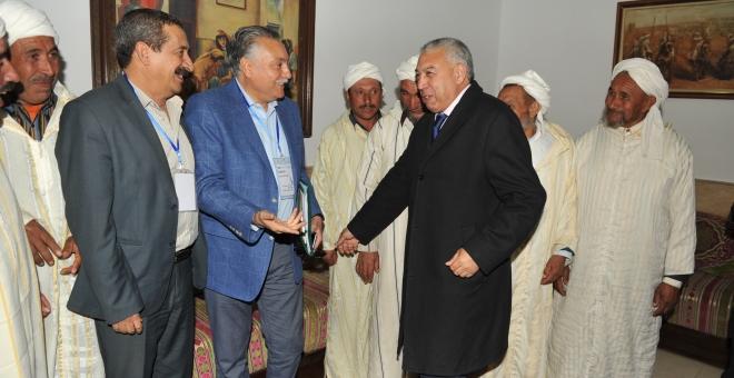 بالفيديو: سائح جزائري يقارن انجازات ومشاريع المغرب مع الجزائر