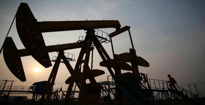 الفرق بين الجزائر والسعودية في  كيفية مواجهة أزمةالنفط