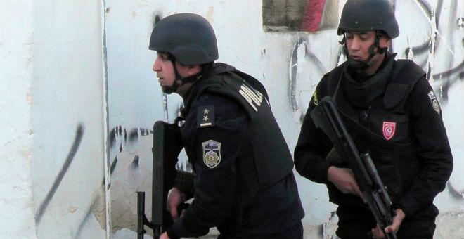 تونس.. هل يعصف الهاجس الأمني بالمشروع الديمقراطي؟
