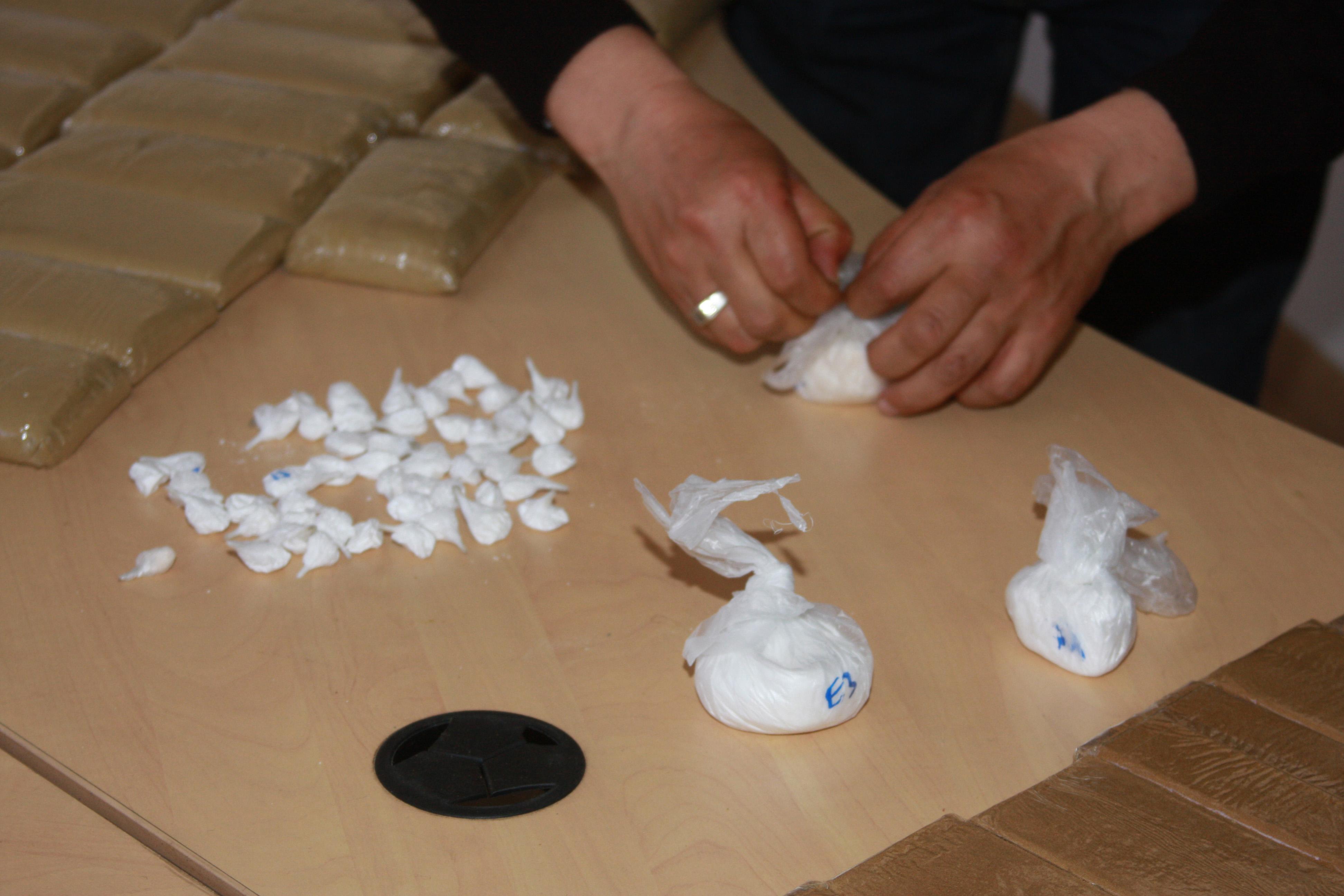 توقيف ناميبي في مطار محمد الخامس بحوزته أزيد من 3 كلغ من الكوكايين