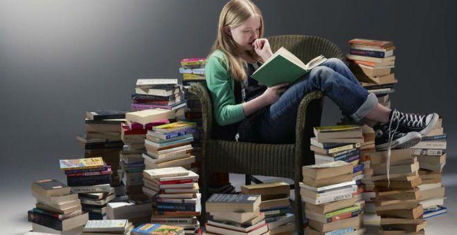 10 فوائد ستحببك أكثر في قراءة الكتب