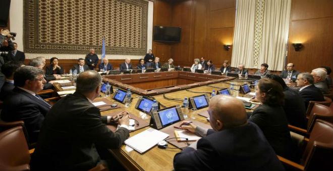 المعارضة السورية تصعد موقفها وتطالب بتأجيل مفاوضات السلام