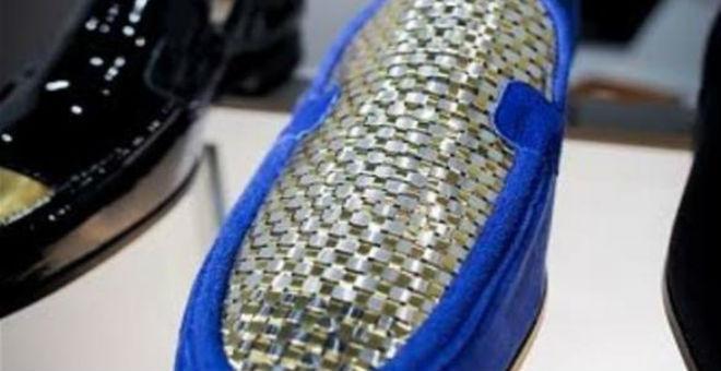 بالصور.. حذاء من الذهب 24 قيراط