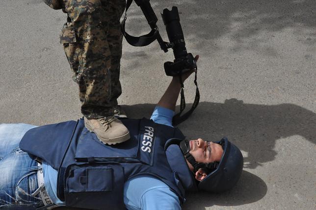 مراسلون بلا حدود: حرية الصحافة تشهد تدهورا خطيرا عبر العالم