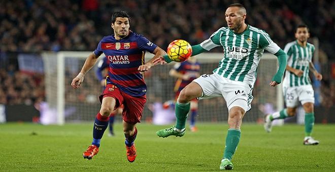 بالفيديو...برشلونة يحافظ على الصدارة بفوزه على بيتيس