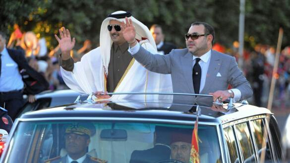 الملك يبدأ زيارته لقطر بجلسة عمل