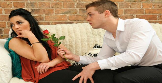 كيف تجعلين زوجك يصالحك حتى لو كنت مخطئة؟