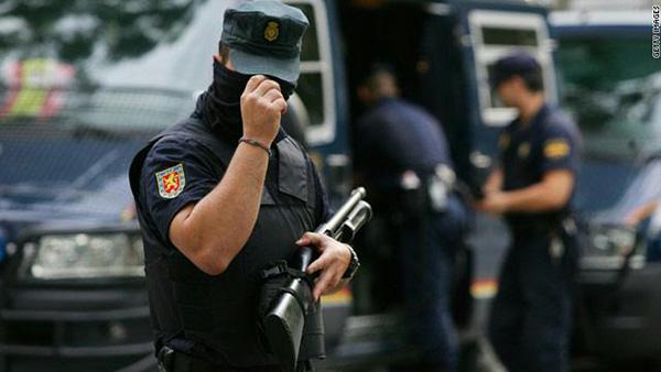 توجيه تهمة القتل لضابط الحرس الاسباني في قضية مقتل مغربي