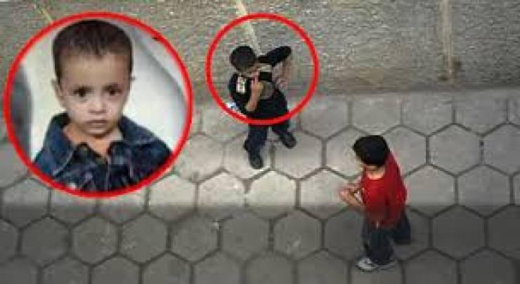 بالفيديو.. طفل يقتل زميله بطريقة بشعة أثناء اللعب