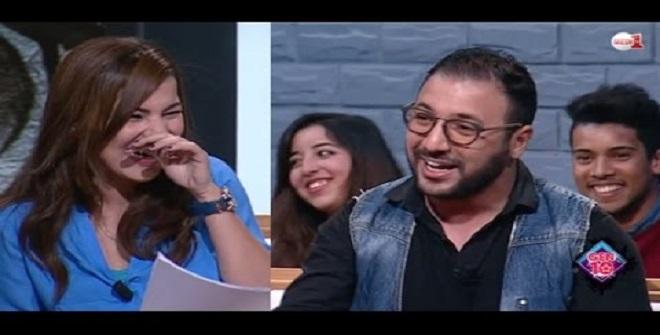 فيديو .. إيكو يقلد خالد نزار بطريقة طريفة