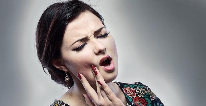 بالفيديو .. شاهد طريقة التخلص من ألم الأسنان خلال 30 ثانية