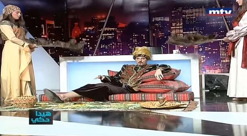 بالفيديو .. عادل كرم يقلد أحلام في برنامج هيدا حكي