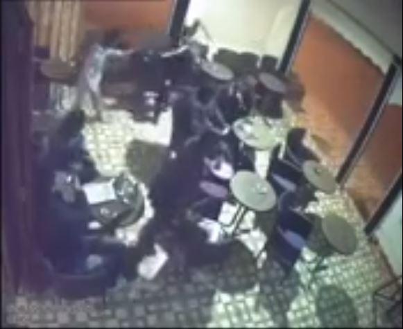 فيديو .. عملية سرقة أمام الملأ في مقهى بأكادير