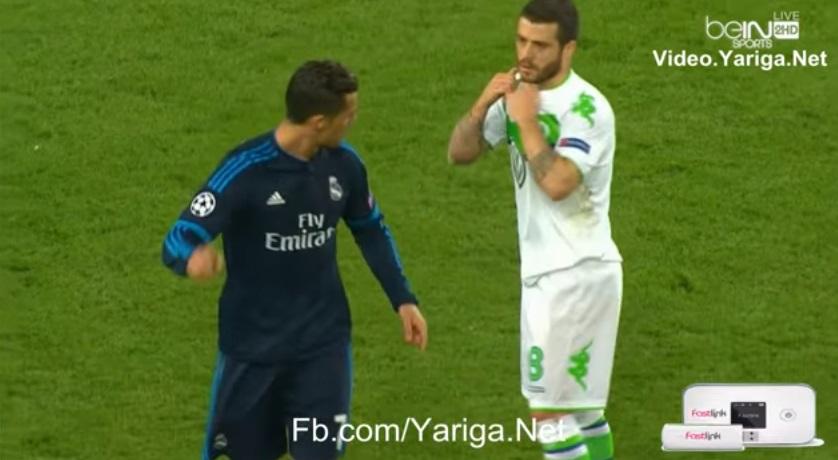 بالفيديو: كريستيانو رونالدو يحرج لاعب فولفسبورغ ويرفض إعطاءه قميصه