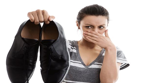 وصفات سحرية تخلصك من رائحة الأقدام الكريهة