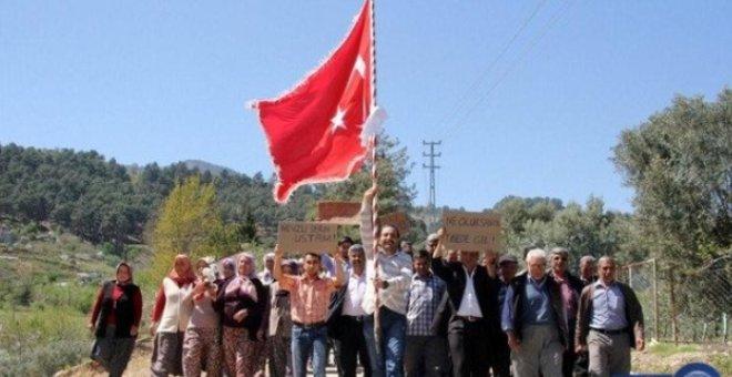 قرية تركية فتياتها يرفضن الزواج!