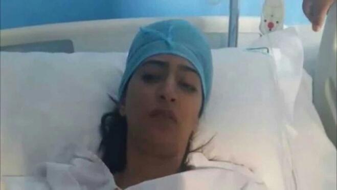 الممثلة دنيا بوطازوت ترقد بالمستشفى من جديد