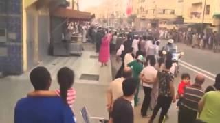 بالفيديو: اعتراض محبي الملك في سلا للموكب الملكي