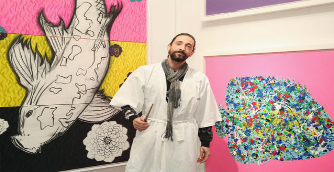نجم هوليود أدريان برودي يكشف موهبته في الرسم