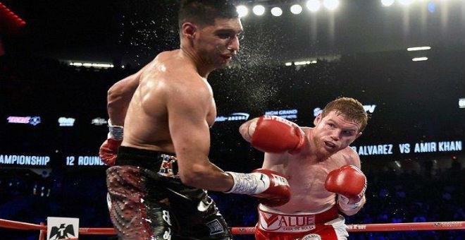 بالفيديو: ألفاريز يهزم بطل العالم خان بالضربة