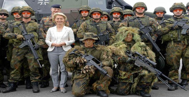 كيف دفعت الولايات المتحدة والناتو ألمانيا لزيادة الإنفاق العسكري؟