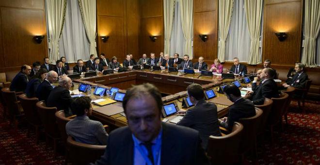 محاولات أمريكية-روسية لإنقاذ مباحثات السلام السورية