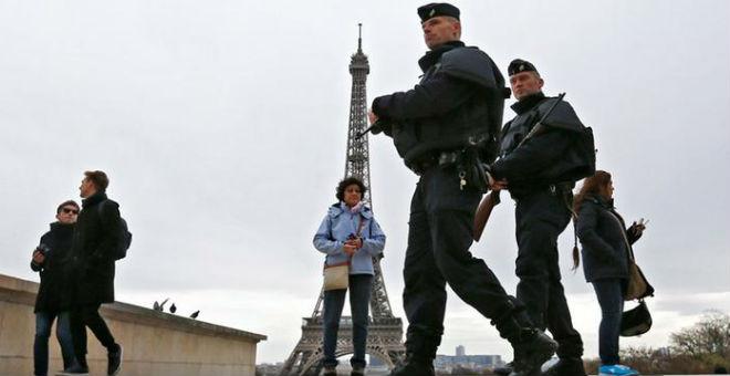 صحفي فرنسي : الحوريات، القصور والأحصنة الذهبية..طعم داعش لاصطياد فرائسه