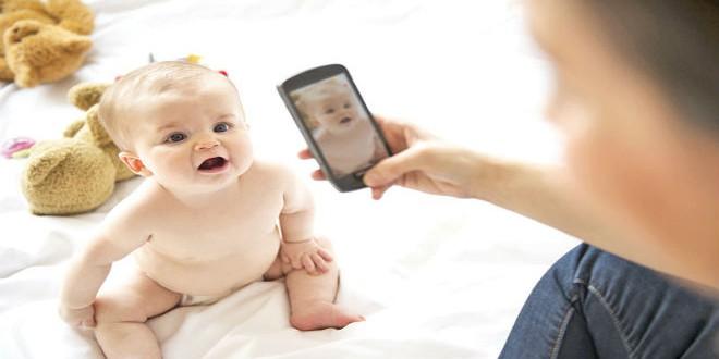 فكّري مرّتين قبل نشر صور طفلكِ على مواقع التواصل!