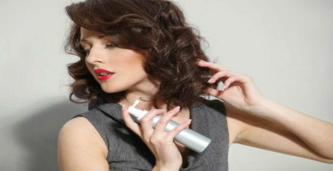 طريقة طبيعية للتخلص من مشكلة رائحة الشعر الكريهة
