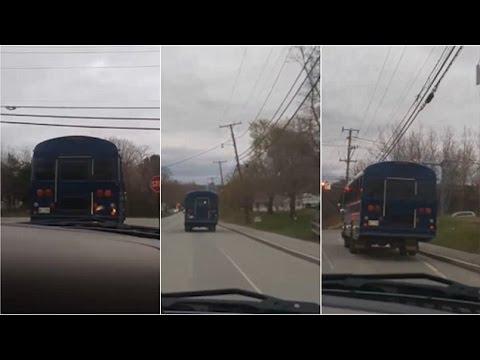 طفل أمريكي يسرق حافلة مدرسته