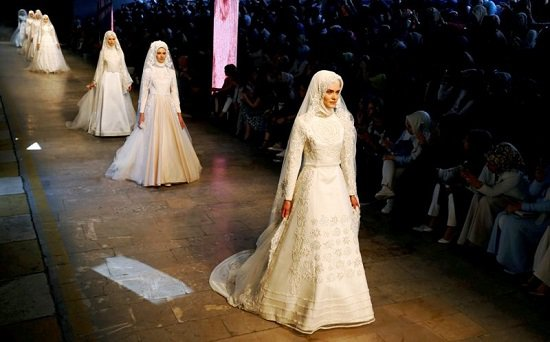 5201615184146251فساتين-زفاف-تركية-ـ-عروس-محجبة-ـ-فساتين-زفاف-للمحجبات-(2)