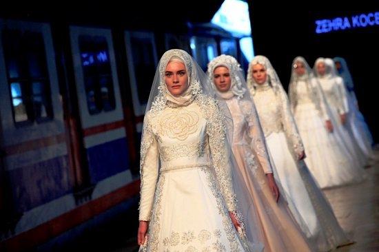 5201615184146251فساتين-زفاف-تركية-ـ-عروس-محجبة-ـ-فساتين-زفاف-للمحجبات-(4)