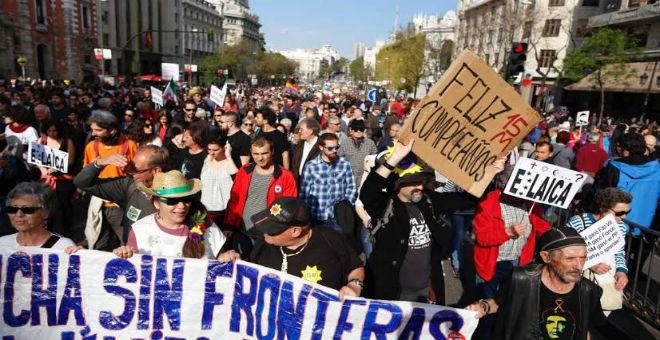 احتفال أقل صخبا بذكرى 15 مايو في مدريد وشعارات مؤيدة لفلسطين