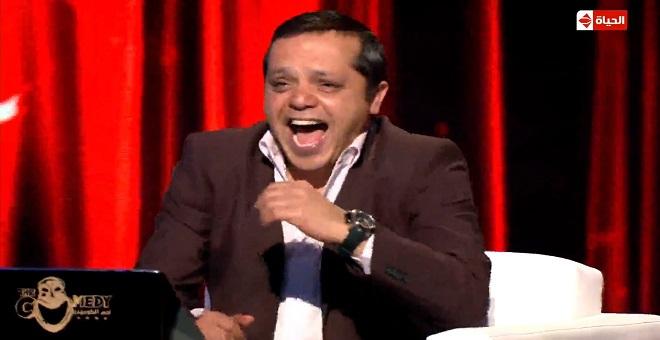 فيديو.. السكيتش الذي جعل محمد هنيدي يضحك من قلبه