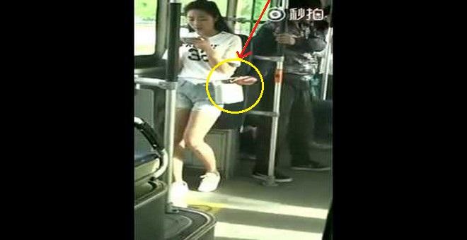 بالفيديو.. حاول سرقتها فلقنته درساً لن ينساه