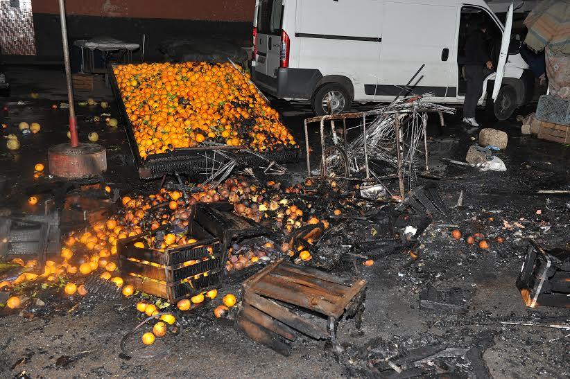 حريق مهول يلتهم سوقا للخضر بالبيضاء