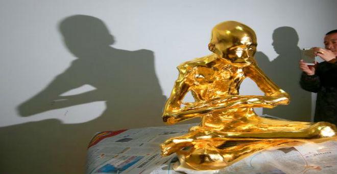 ما سر الراهب البوذي الذي حنطت جثثه وغطيت بالذهب؟