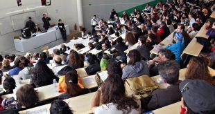 الطلبة المقبلين على مناقشة الدكتوراه