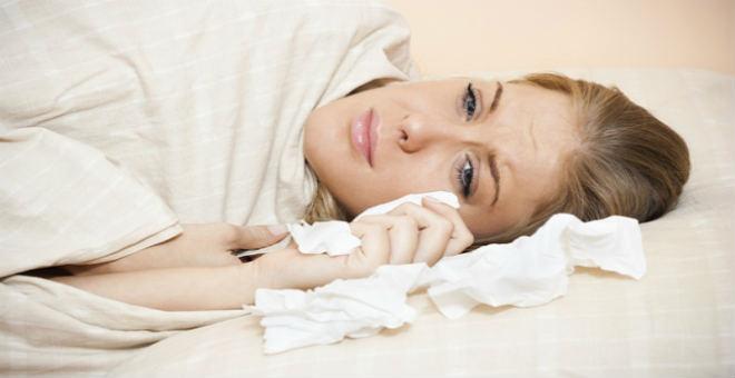 للفتيات.. احذرن أضرار البكاء قبل النوم الخطيرة على الصحة