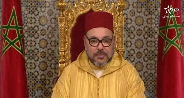 صوت الآذان داخل القصر أثناء الخطاب الملك