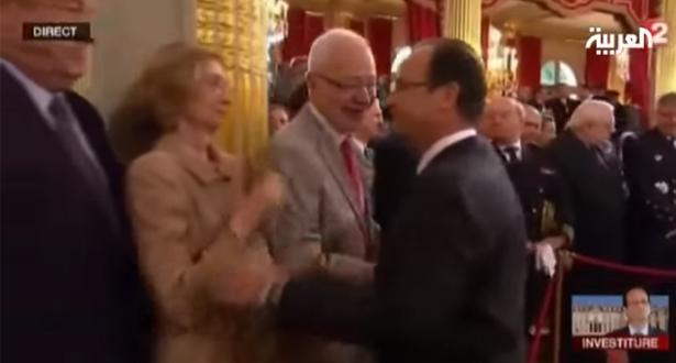 بالفيديو.. مواقف محرجة تعرض لها الرئيس الفرنسي